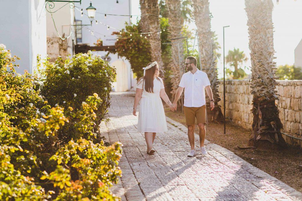 אמילי ויוגב מתוך הצילומי זוגיות שנערכו במדרחוב בזכרון יעקוב