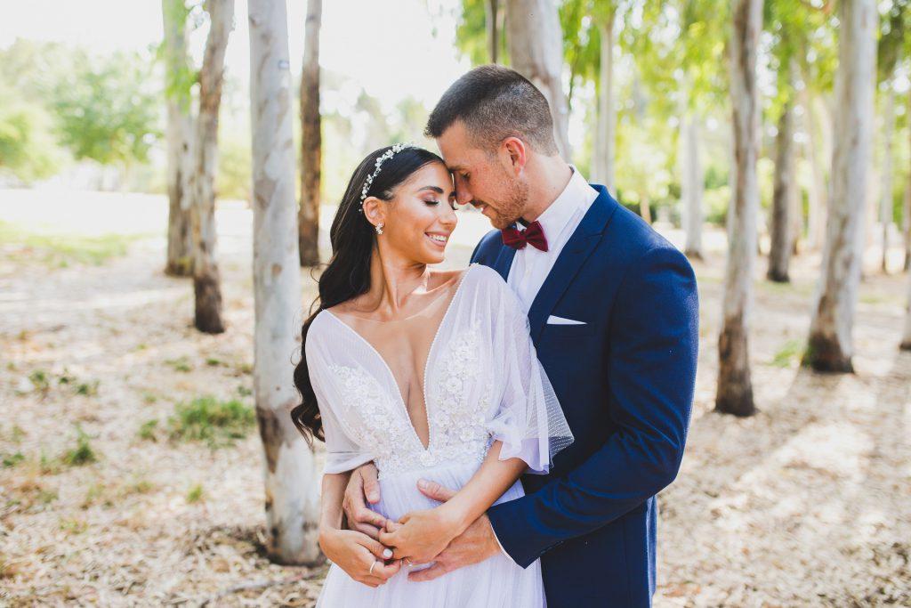 זוג חתונה בצילומי חוץ