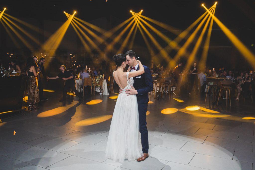 מגנטים לחתונה - גם גיא וגי'נה נהנהו ממגנטים מעולים בחתונה שלהם