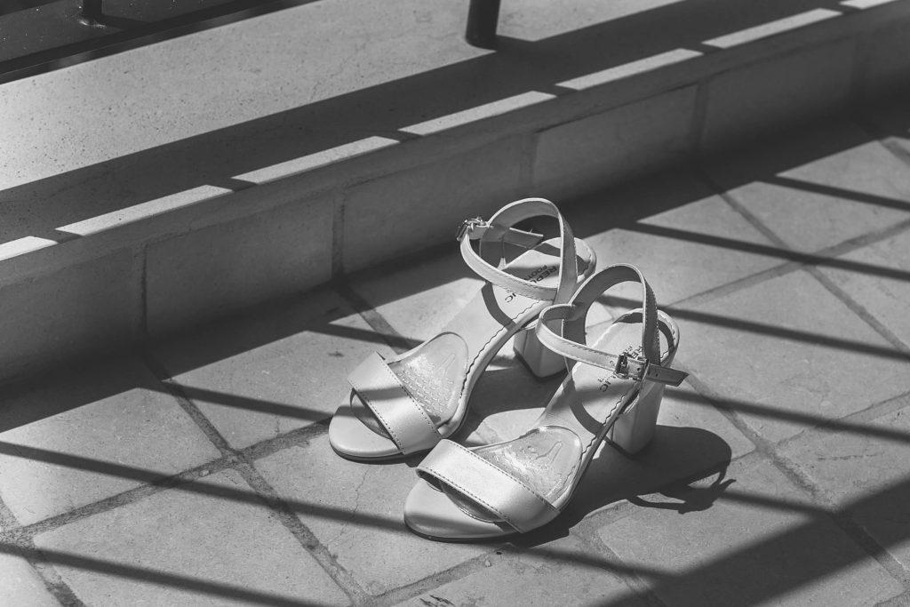 התארגנות לחתונה נעלי כלה במקום התארגנות