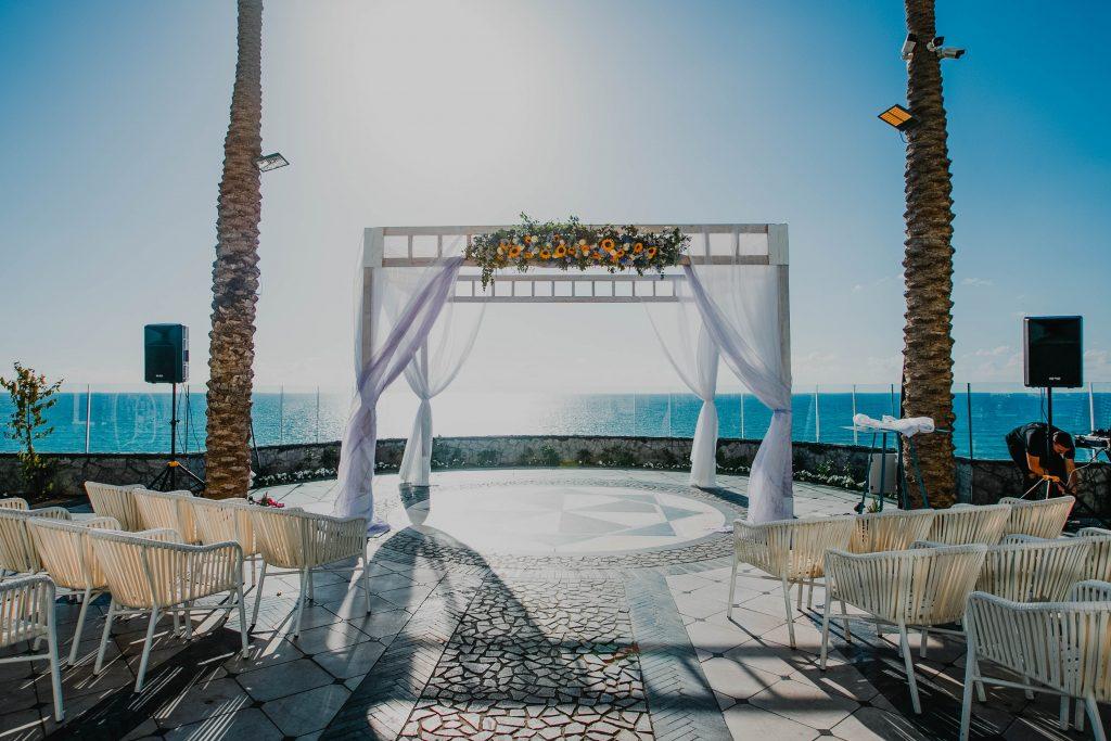 חתונה על הים באולם באזור השרון